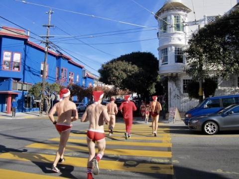 Photo : Pères Noël dans les rues de San Francisco